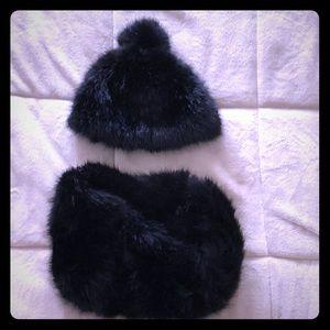 Faux fur hat & infinity scarf 🖤 NWT